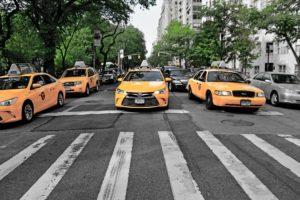 Какая дистанция должна быть между автомобилями по ПДД?